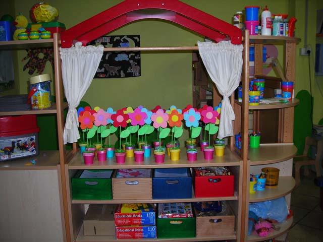 Servizi pre e post accoglienza centro d 39 infanzia le for Lavoretti accoglienza infanzia